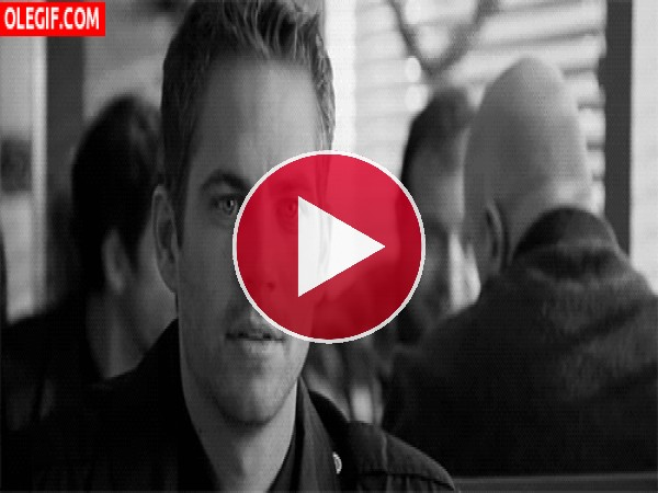 GIF: Charlando con Paul Walker