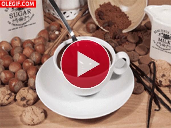 Una rica taza de chocolate caliente