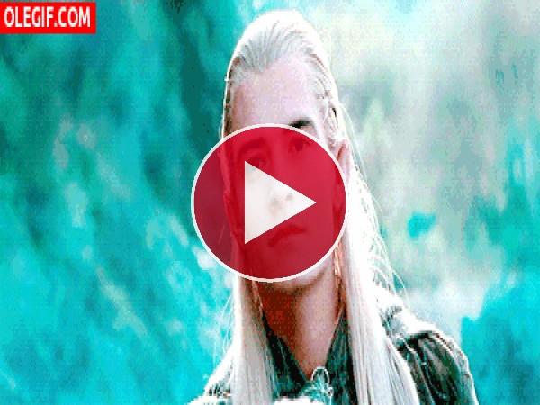 Legolas mirando al horizonte