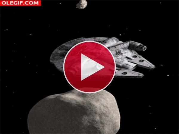 El Halcón Milenario esquivando asteroides