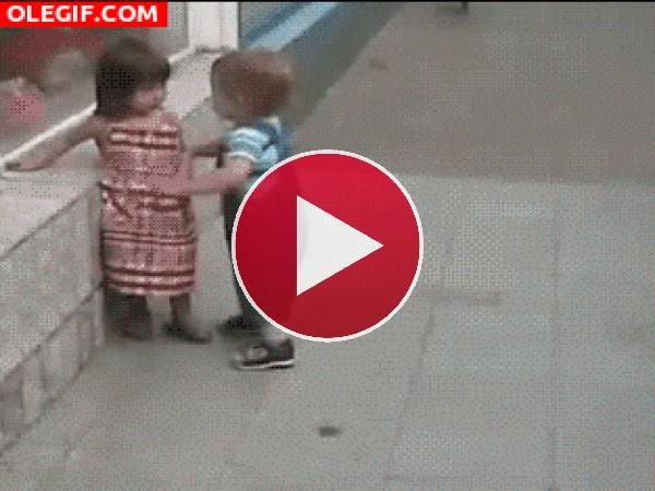 GIF: ¡No seas baboso!