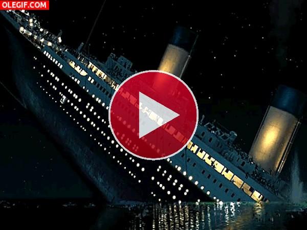 GIF: El hundimiento del Titanic