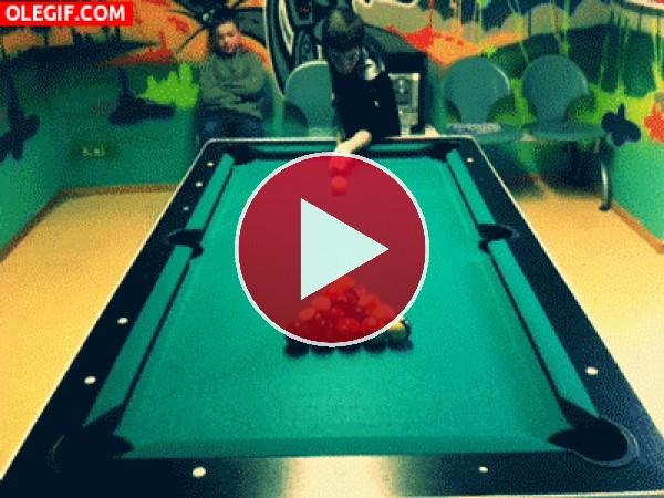 GIF: Jugando al billar