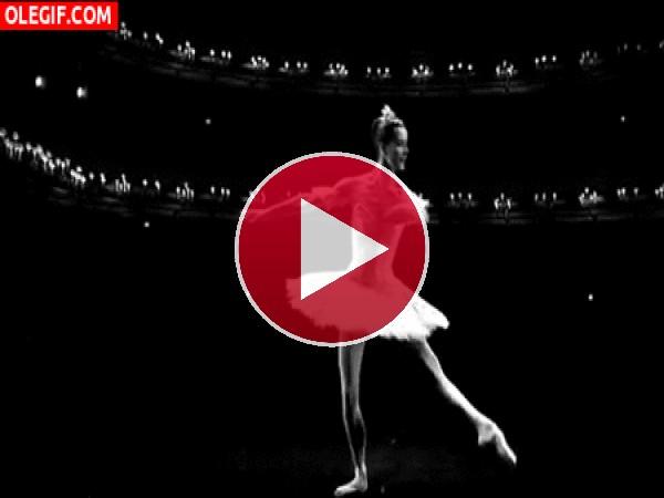 Gran bailarina en el escenario