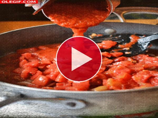 Preparando salsa de tomate