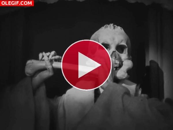 GIF: Tocando el hueso-flauta