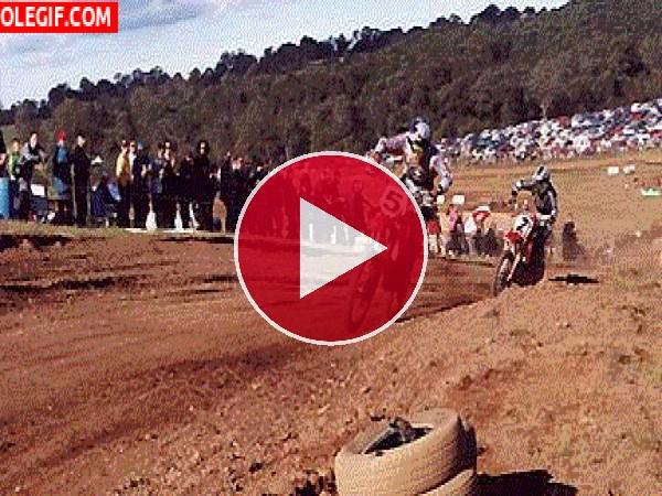 GIF: Competición de motocross