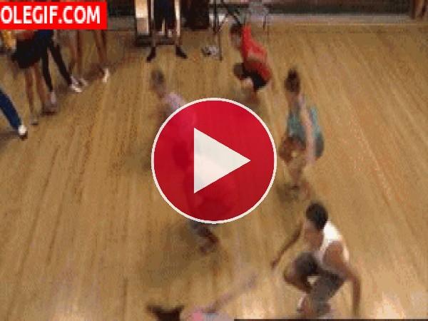 GIF: ¡Bailemos!