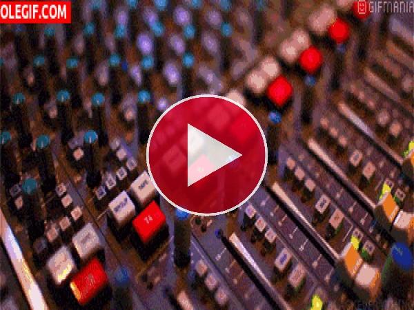 GIF: Mesa de mezclas