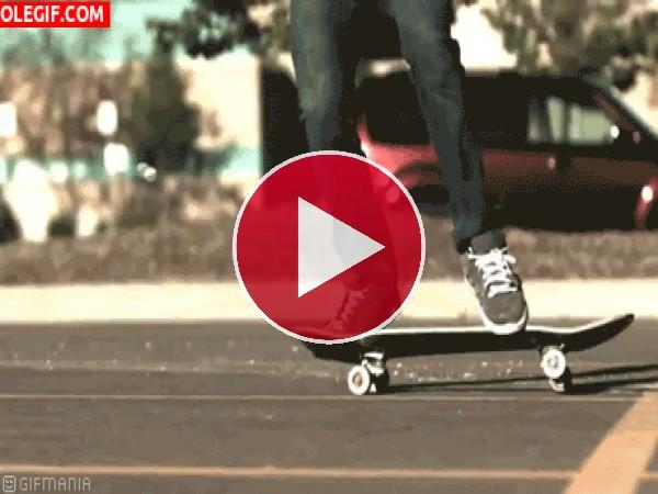 Saltando con el skate