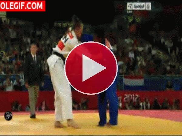 GIF: Competición de judo