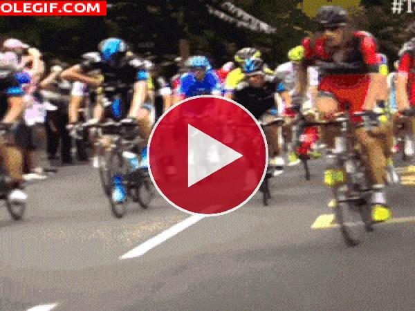 GIF: Adelantamiento ciclista