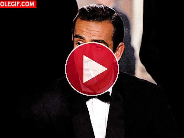 GIF: Soy James Bond