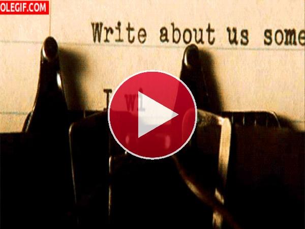 GIF: Escribiendo a máquina