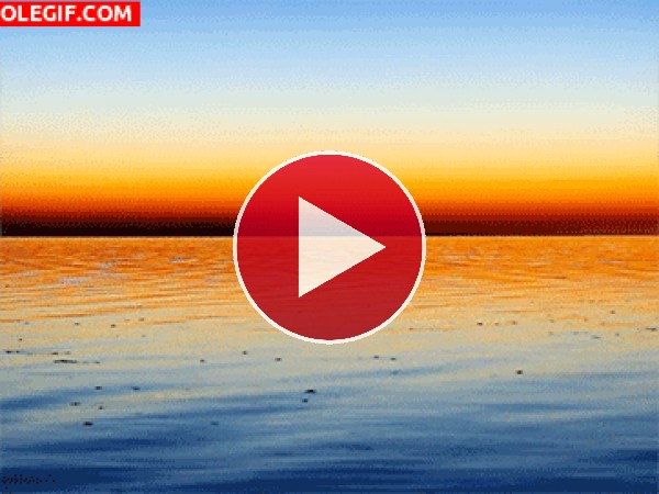 GIF: Agua moviéndose al amanecer