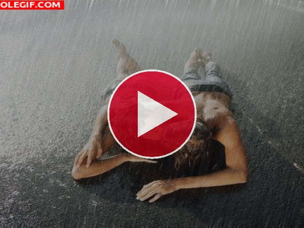 Beso bajo la lluvia