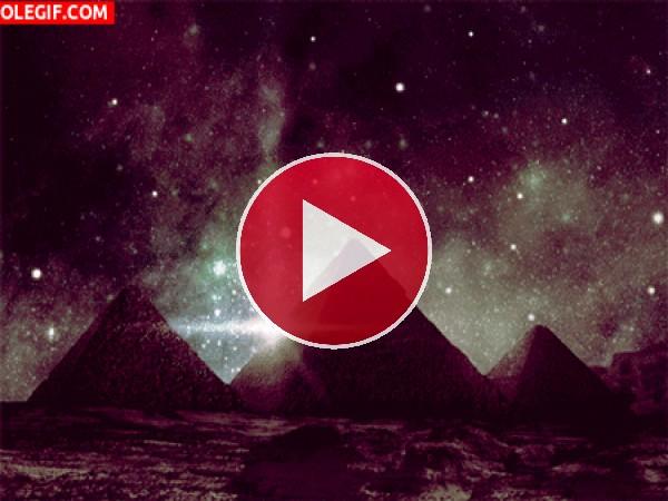 GIF: Terremoto en las Pirámides de Egipto