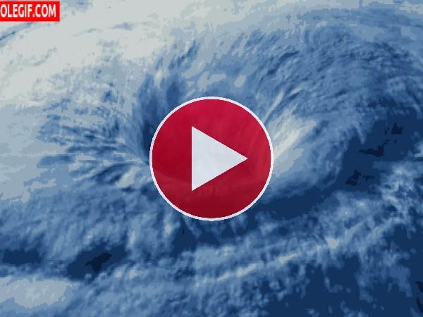 GIF: Gran tormenta