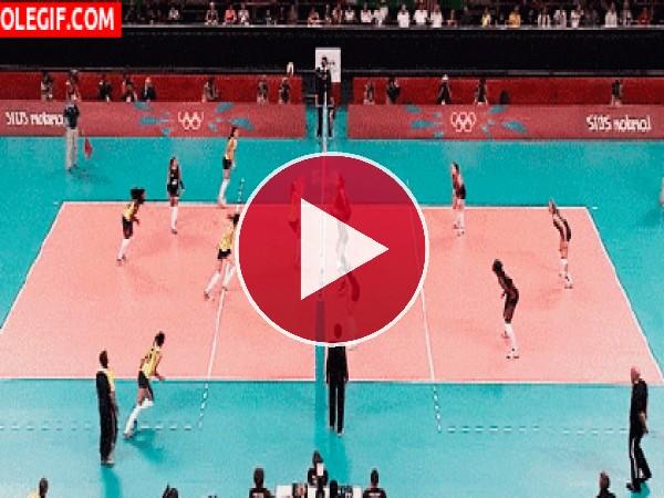 GIF: Partido de voleibol