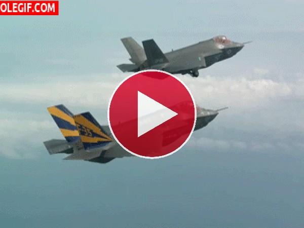 GIF: F-35 preparándose para aterrizar