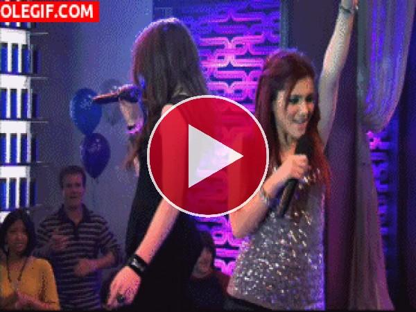 "Bailando en ""Victorious"" (serie de Nickelodeon)"