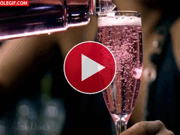 GIF: Champagne Moët & Chandon Rosé