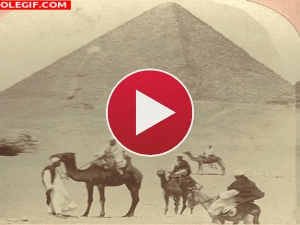 GIF: Las Pirámides de Egipto