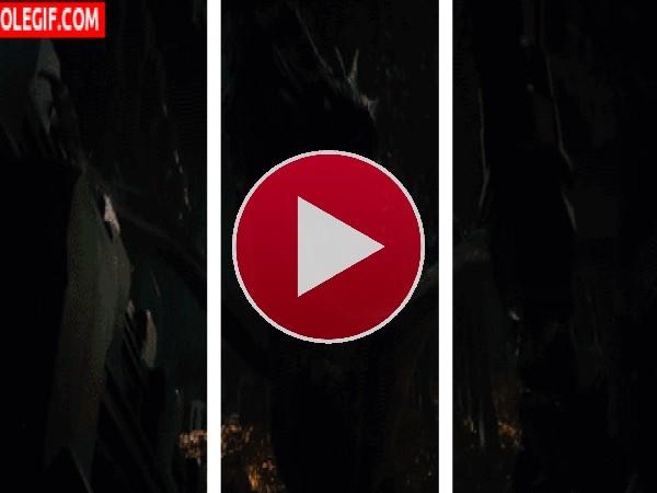 GIF: Smaug escupiendo fuego