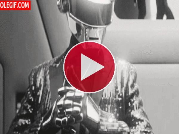 GIF: Thomas Bangalter (Daft Punk)