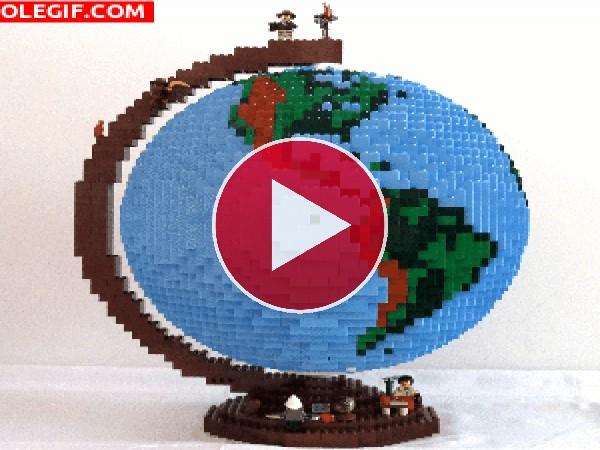 GIF: Bola del mundo de Lego