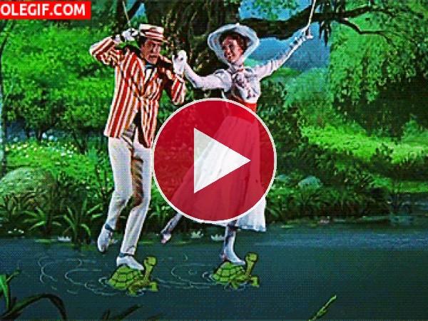 GIF: Mary Poppins y Bert