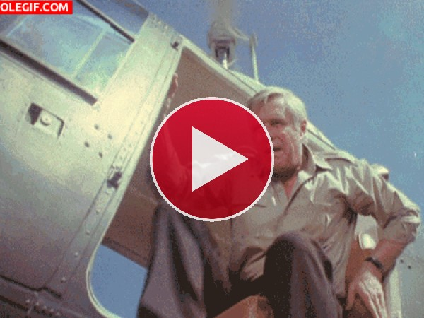 GIF: George Peppard como Hannibal Smith (El Equipo A)