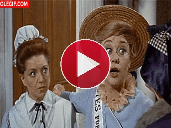GIF: Winifred Banks (Mary Poppins)