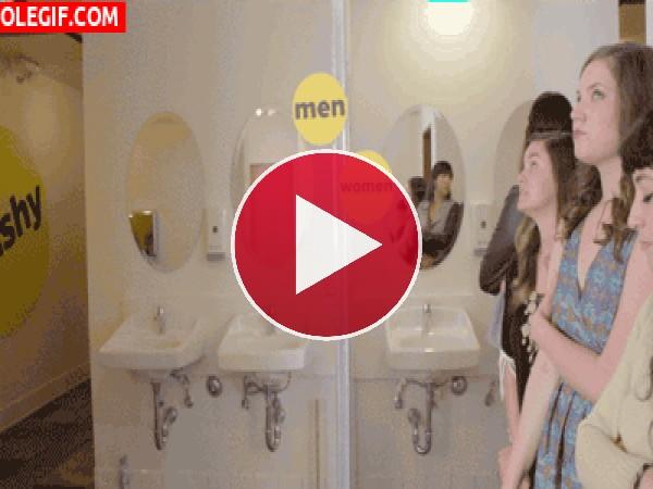 Baños de hombres vs. Baños de mujeres