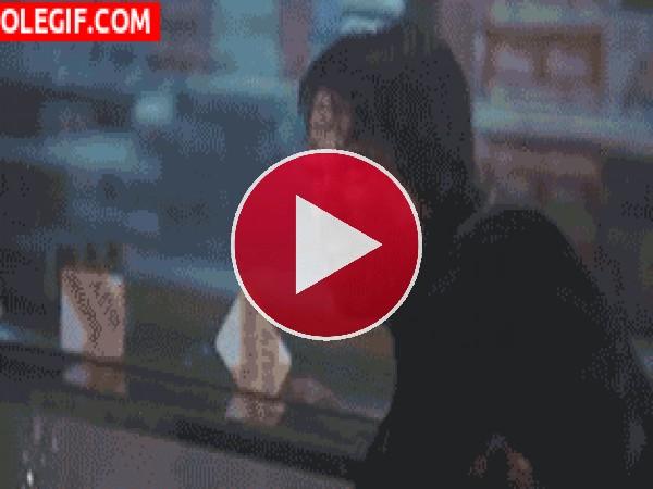 GIF: Sylvester Stallone es... Cobra